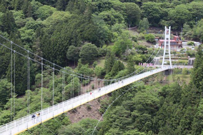 群馬県上野村にある恋人の聖地認定されたスポット「上野スカイブリッジ」