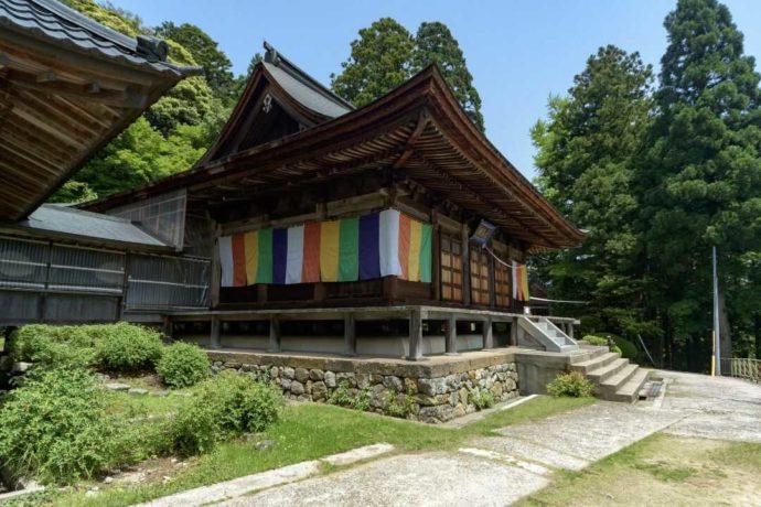 温泉寺の本堂外観