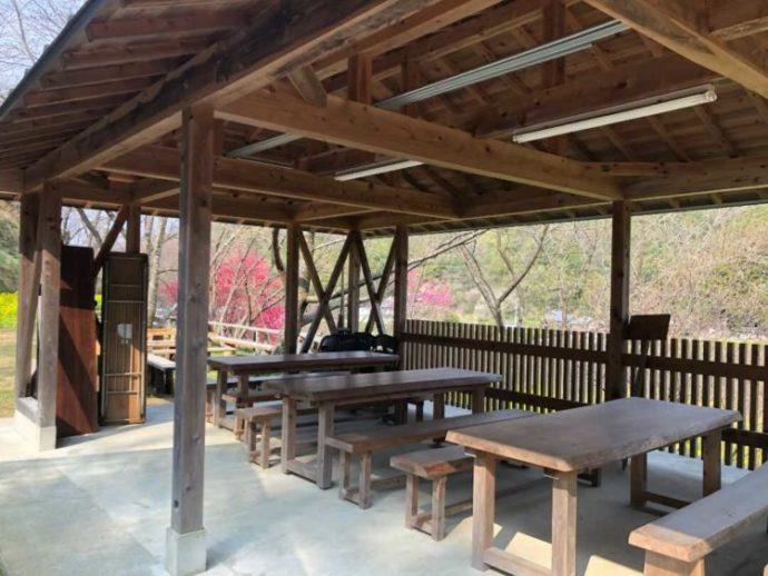 香南市にある「西川花公園」の休憩所