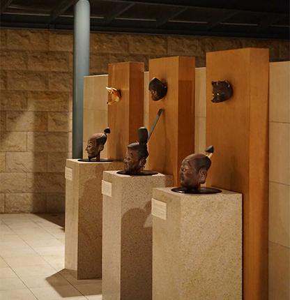 愛媛県上浮穴郡にある久万青銅之廻廊の展示作品