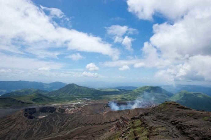 熊本県・阿蘇中岳火口