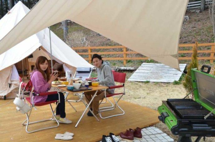 静岡県富士宮市にある「まかいの牧場」での食事風景