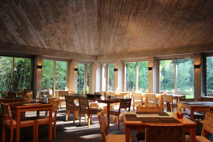 高知市の「高知県立牧野植物園」内にあるレストランアルブル