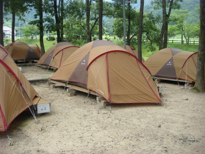 マキノ高原のキャンプ場の「常設テント」