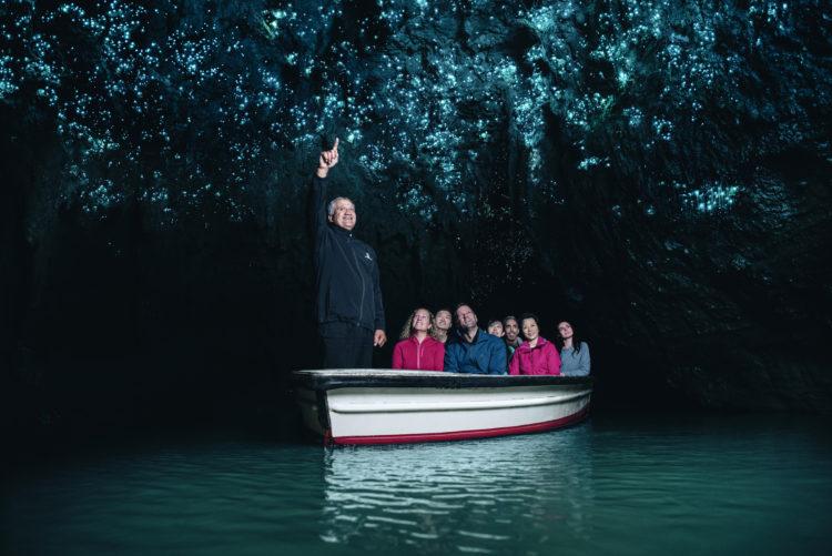MAPPLE Activity Onlineのニュージーランドツアーで見られるワイトモ鍾乳洞