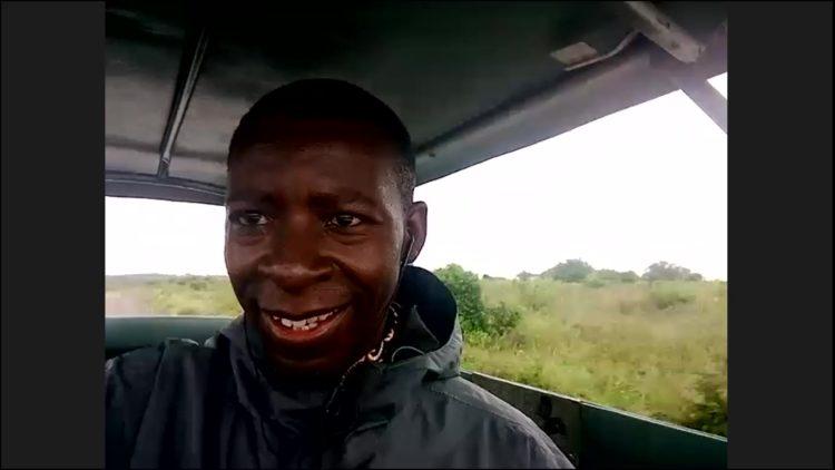 MAPPLE Activity Onlineのアフリカツアーのガイドさん