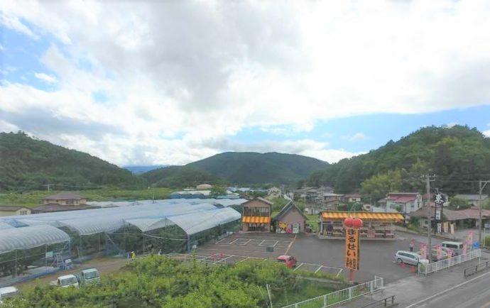 福島県福島市の観光農園まるせい果樹園の施設全体