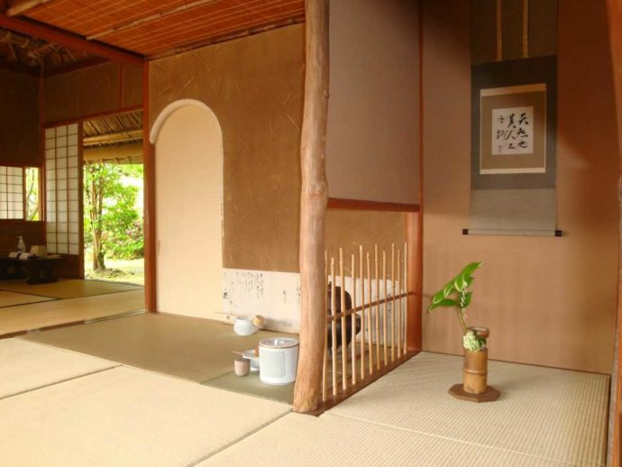 松浦史料博物館の茶室閑雲亭内部