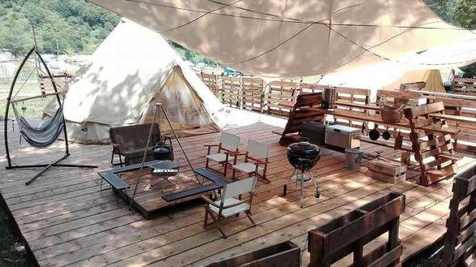 カップルに人気のめいほう高原キャンプフィールド「グラースサイト」のテント