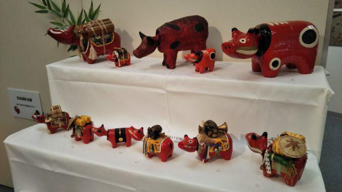 牛の博物館の企画展で展示されていた赤べこ