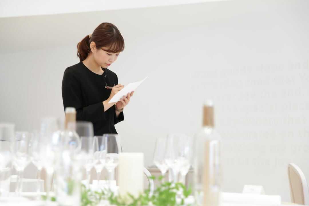 大阪府吹田市にある結婚式場「MIA・VIA」のスタッフ