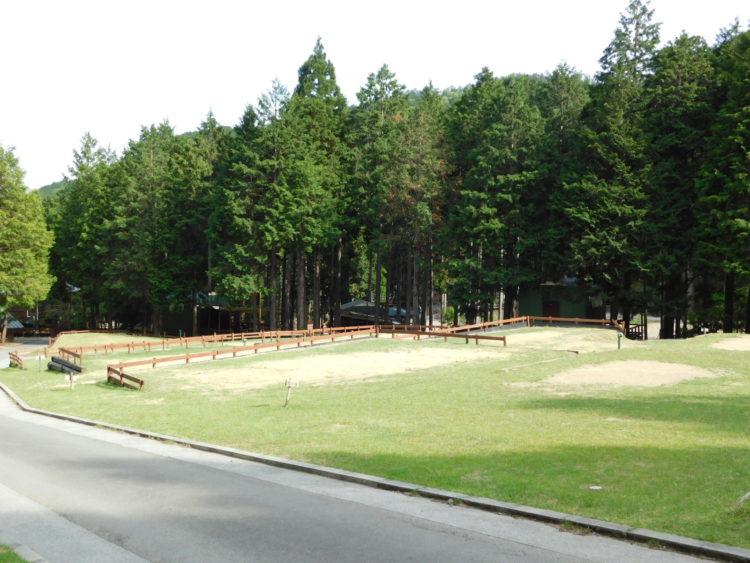 キャンプリゾート森のひとときのオートサイトについて