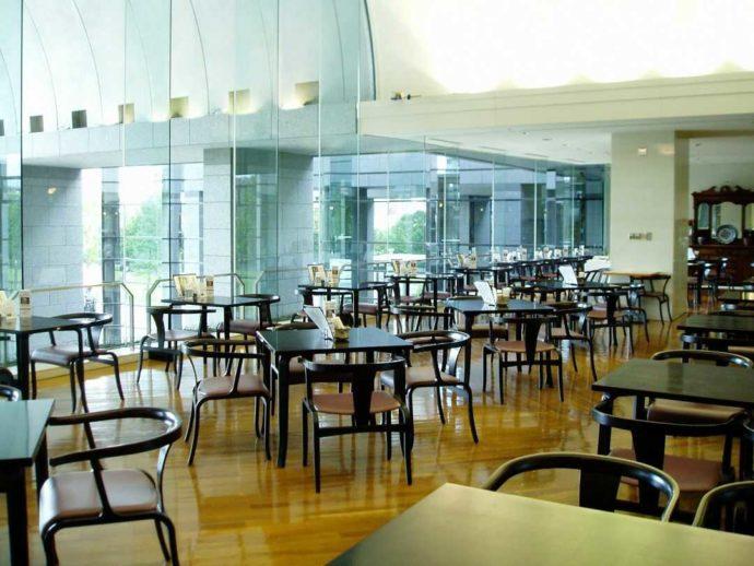 福岡市博物館の喫茶室「玄南荘」の内観