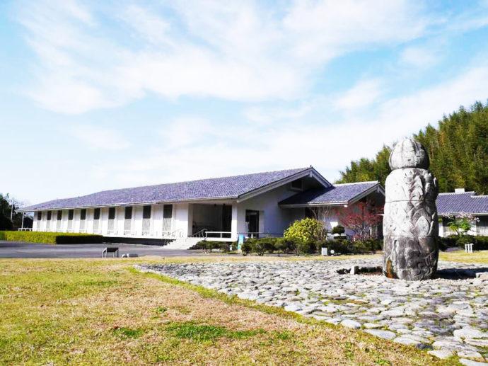 奈良文化財研究所飛鳥資料館の全景