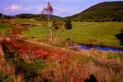 ゴルフ場・夏泊ゴルフリンクスにあるコースの秋の風景