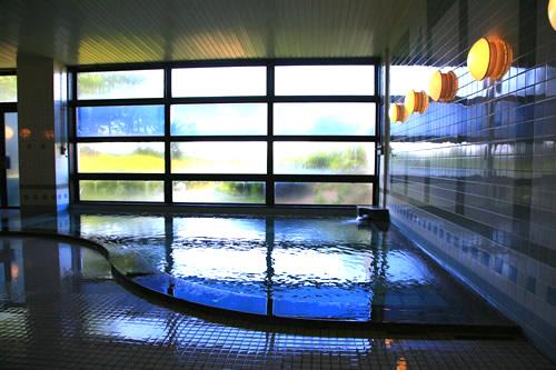 青森県東津軽郡にあるゴルフ場・夏泊ゴルフリンクスの男性浴場