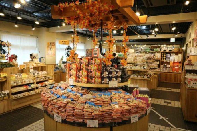 東京都渋谷区にある表参道・新潟館ネスパスの物産販売コーナー
