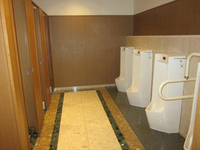新冠温泉レ・コードの湯の男性トイレ