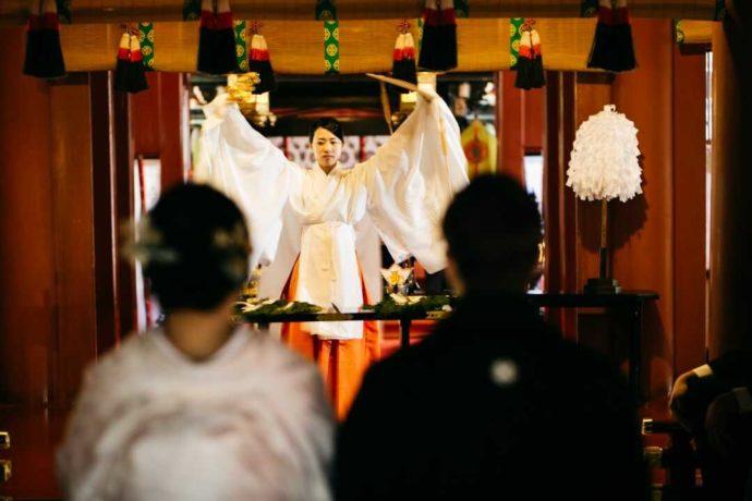 日光二荒山神社の「八乙女神楽奉納」