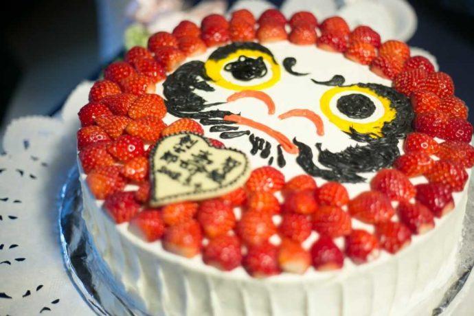 日光世界遺産ウエディングで注文できるだるまのケーキ