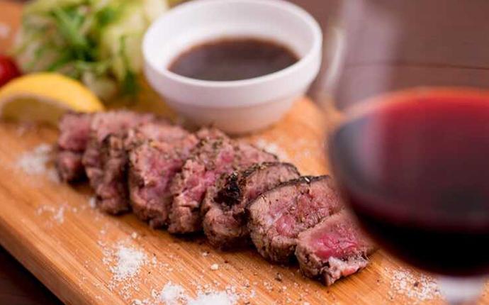 福岡県福岡市早良区にある「ニクバル 肉MAR.co」の人気メニュー「マルコグリル」