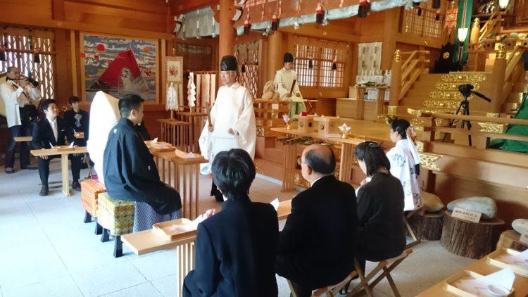 丹生川上神社上社の神前結婚式の挙式予約は何ヶ月前頃から可能でしょうか