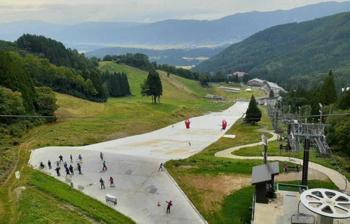 野沢温泉スポーツ公園の「ジップ・スカイライド」