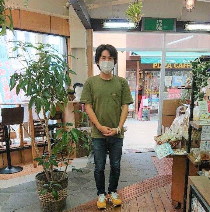 静岡県伊東市にあるアンテナショップNukumallの店舗担当・イベント担当を務める生川衛さん