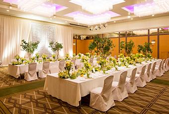 オークスカナルパークホテル富山の披露宴会場「翠鳳の間」