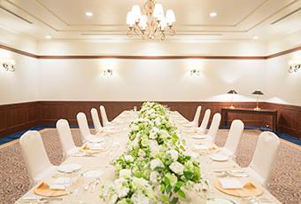 オークスカナルパークホテル富山の披露宴会場「檜の間」
