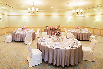 オークスカナルパークホテル富山の披露宴会場「桜の間」