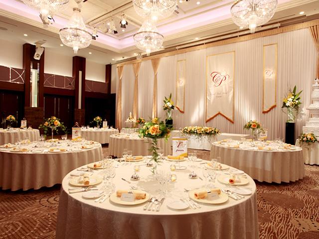 オークスカナルパークホテル富山のテーブルコーディネート「ハニーブーケ」
