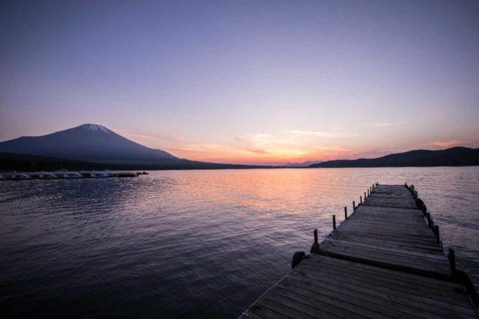 小田急山中湖フォレストコテージの桟橋から見る富士山