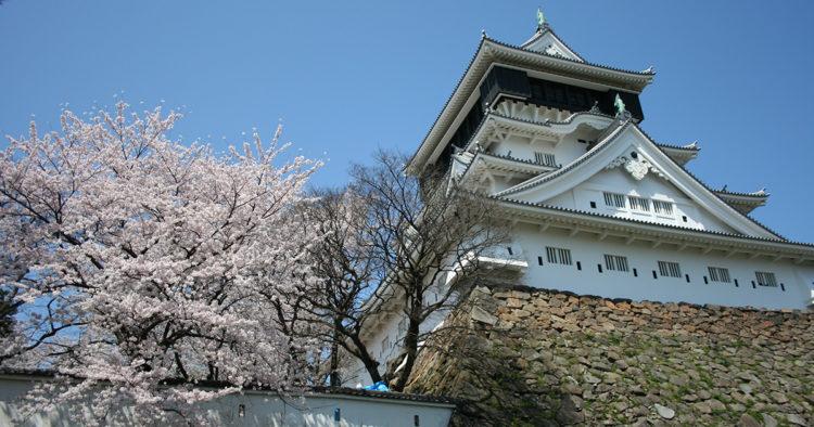 八坂神社の近くにある小倉城