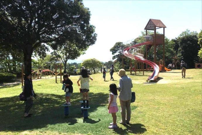 島根県益田市にある島根県立万葉公園にある子どもの広場