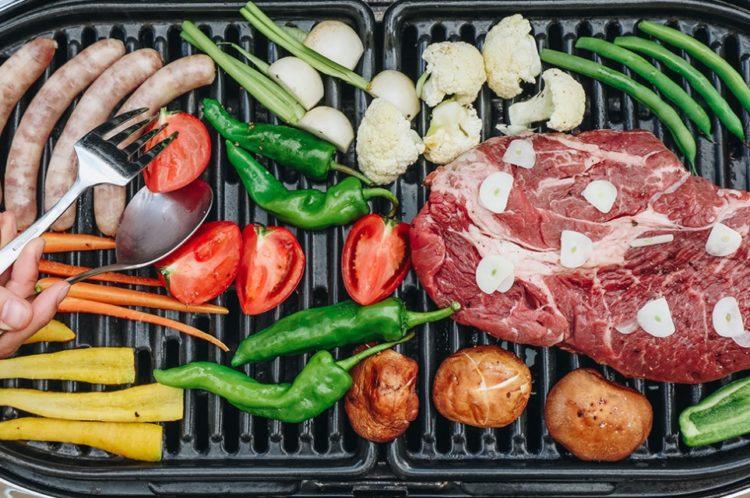 千葉県柏市にある「奥手賀ツーリズム Kingfisher Garden」の新鮮野菜を堪能するキャンプの様子