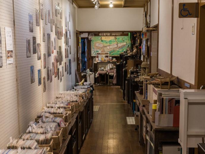 長崎県西海市にある音浴博物館のギャラリースペース