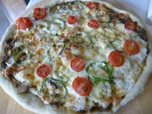 恐羅漢エコロジーキャンプ場で行っているピザ作り体験