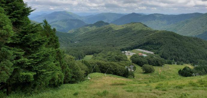 恐羅漢エコロジーキャンプ場を取り囲む雄大な山々