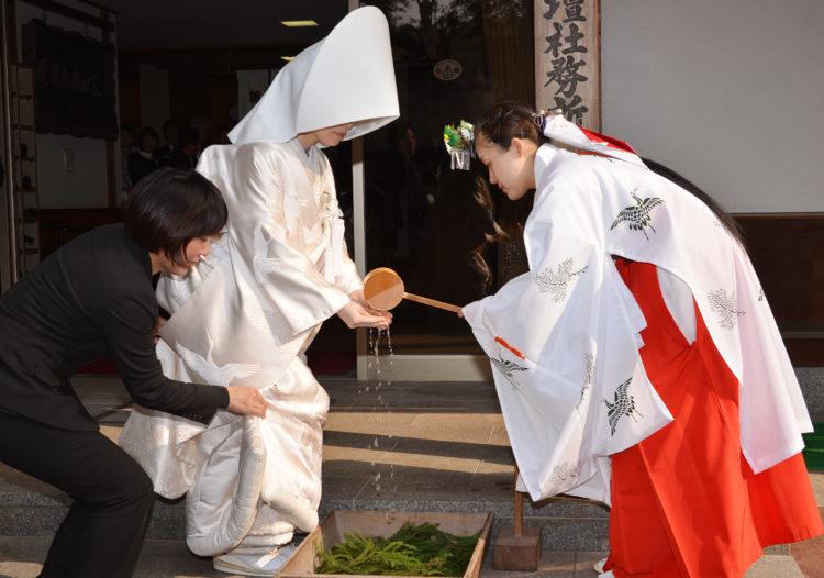 雄山神社前立社壇の神前結婚式について