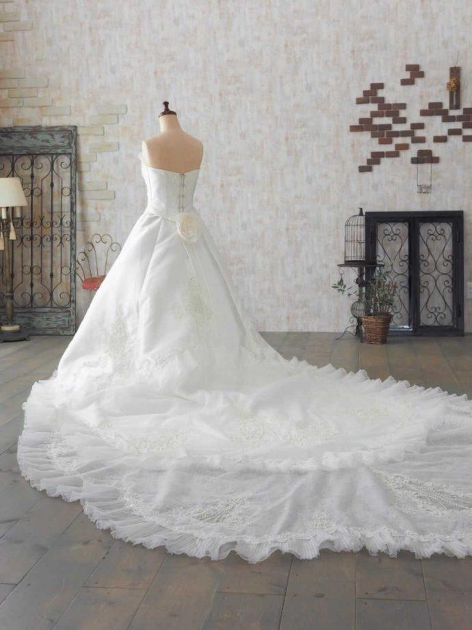 純白のウェディングドレス「a fancy」