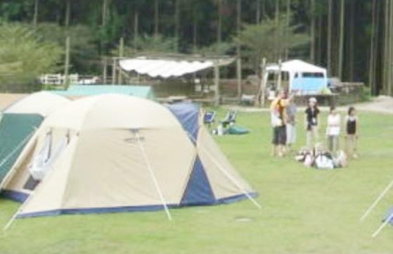 福岡県飯塚市にある「ピクニカ共和国」のキャンプ場