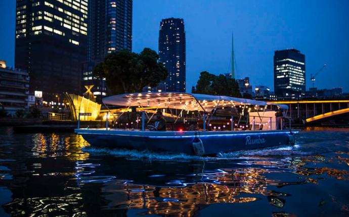 大阪府大阪市の景色を船上から楽しめるパイレーツオブオオサカ