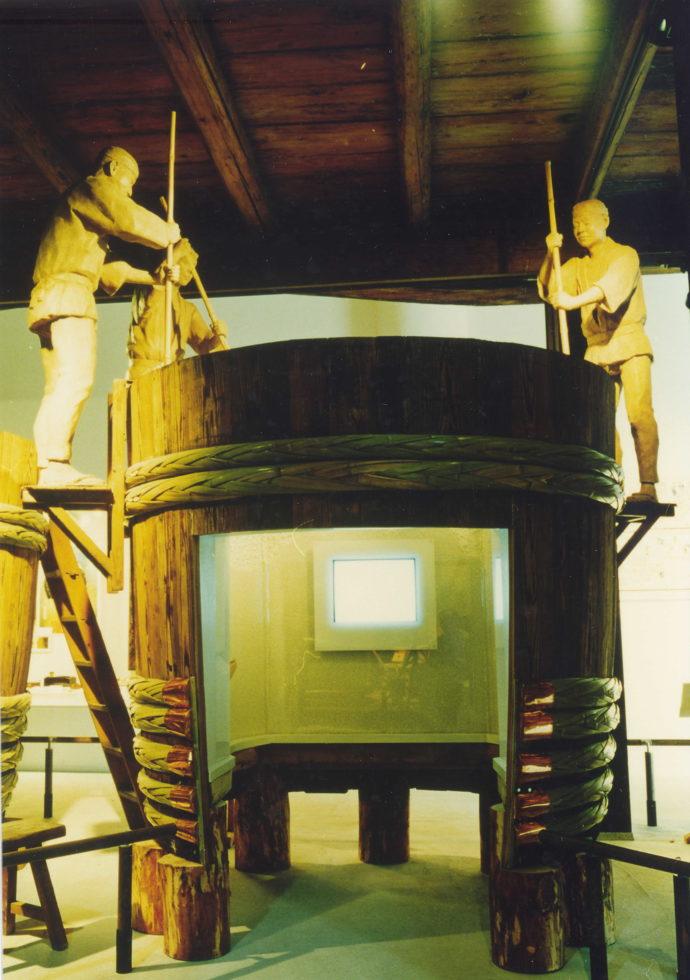 発酵中のもろみの泡を観察できるスポット