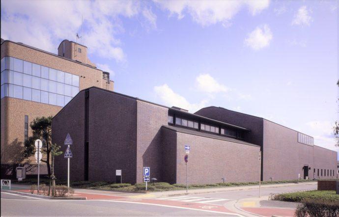 日本酒に関する資料や笹部さくらコレクションを展示している「記念館」