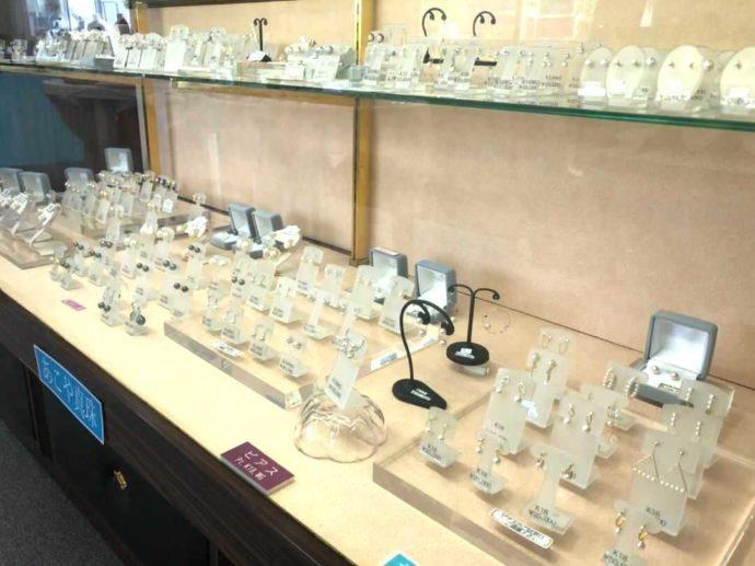 わくわく海中水族館シードーナツのある天草パールセンター内で売られてるパールのイヤリング