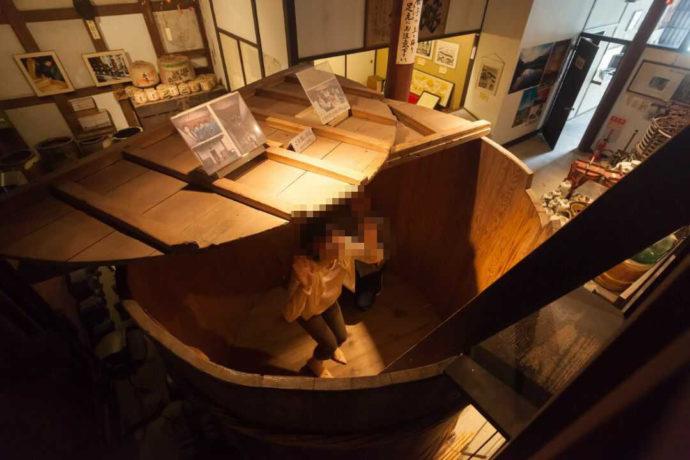 酒の民俗文化博物館の木の桶