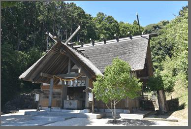 高家神社の拝殿の外観