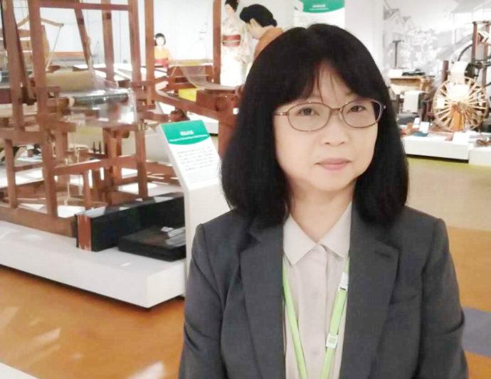 シルク博物館の副館長・高橋さん