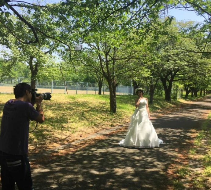 山形県・宮城県でフォトウェディングを行う「ソルテール」のプロカメラマンと利用者